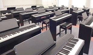 ピアノ実習室