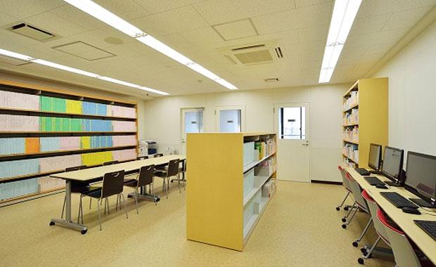 イメージ:図書室・就職資料室